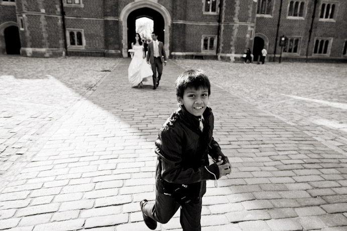 Hampton-Court-Palace-wedding-photography-016.jpg