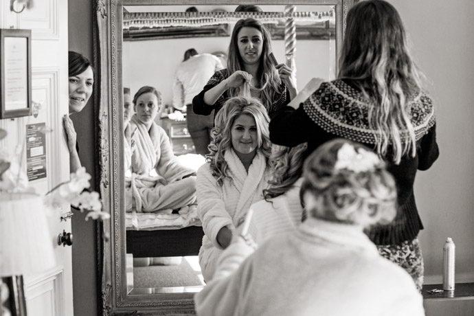 Orchardleigh-House-Reportage-Wedding-Photographers-005.jpg
