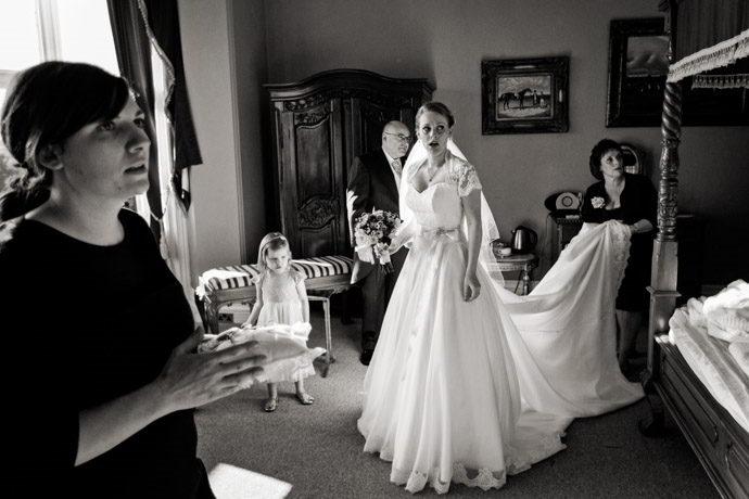 Orchardleigh-House-Reportage-Wedding-Photographers-012.jpg