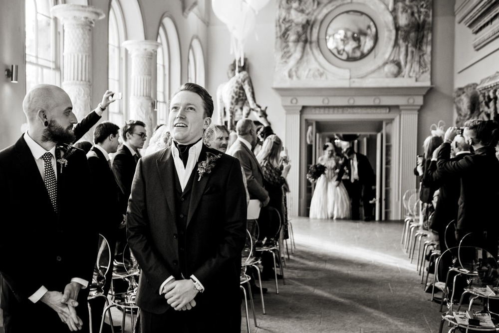 wedding-photography-taken-at-aynhoe-park-in-oxfordshire-015.jpg