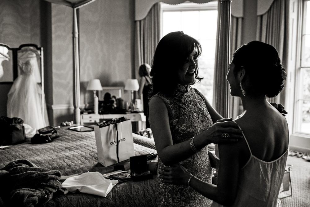 wedding-photography-at-babington-house-somerset-004.jpg