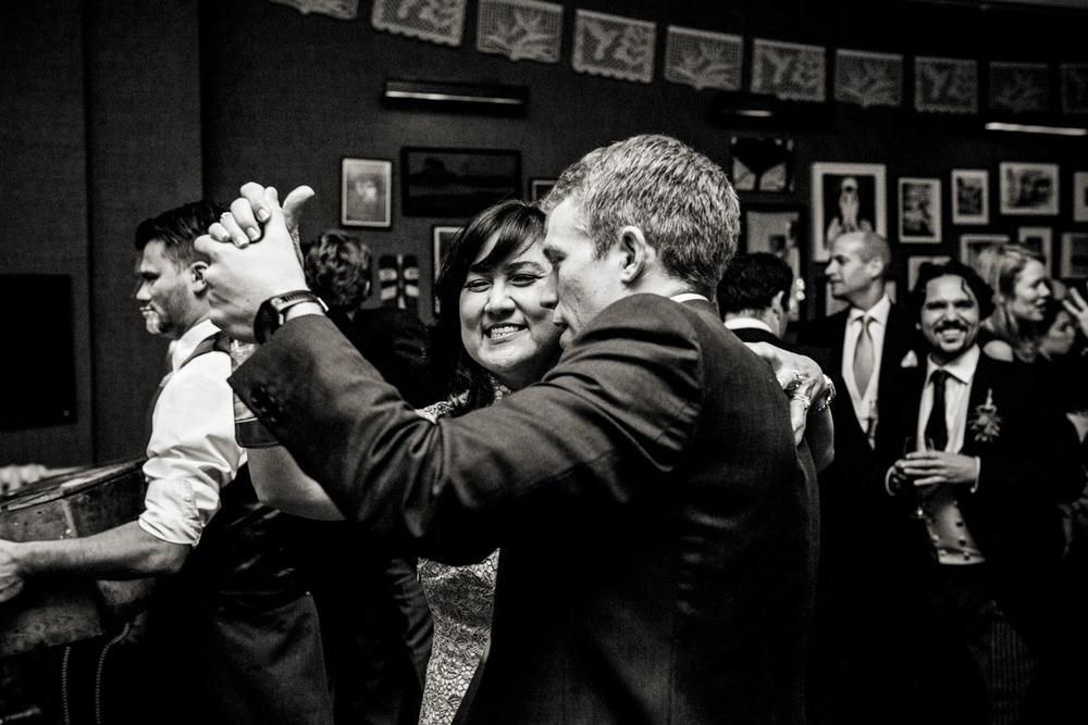 wedding-photography-at-babington-house-somerset-062.jpg