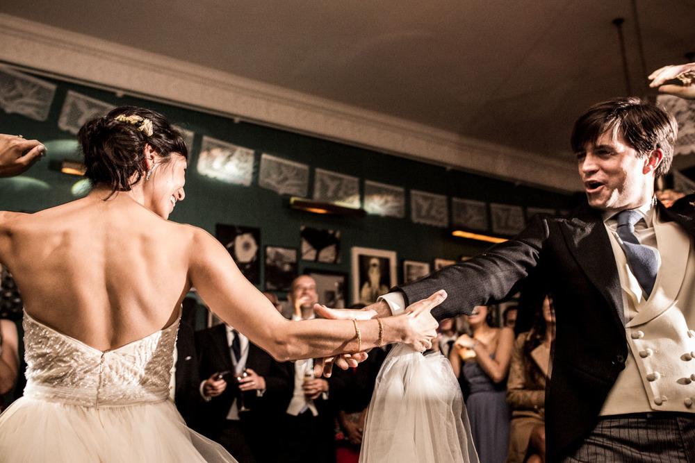 wedding-photography-at-babington-house-somerset-065.jpg