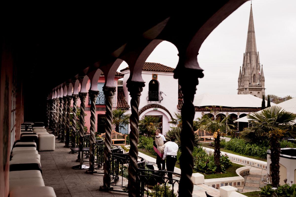 Kensington-Roof-Gardens-Wedding-Photos-007.jpg