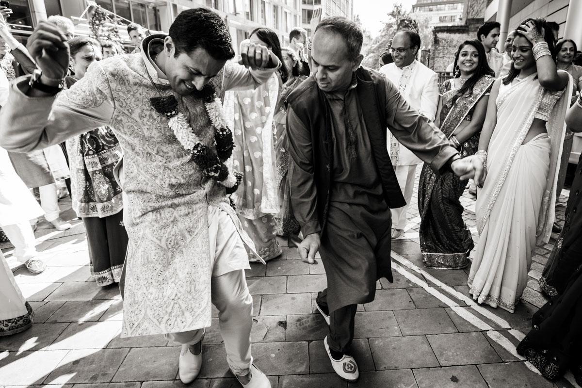Plaisterers-Hall-wedding-photography-006.jpg
