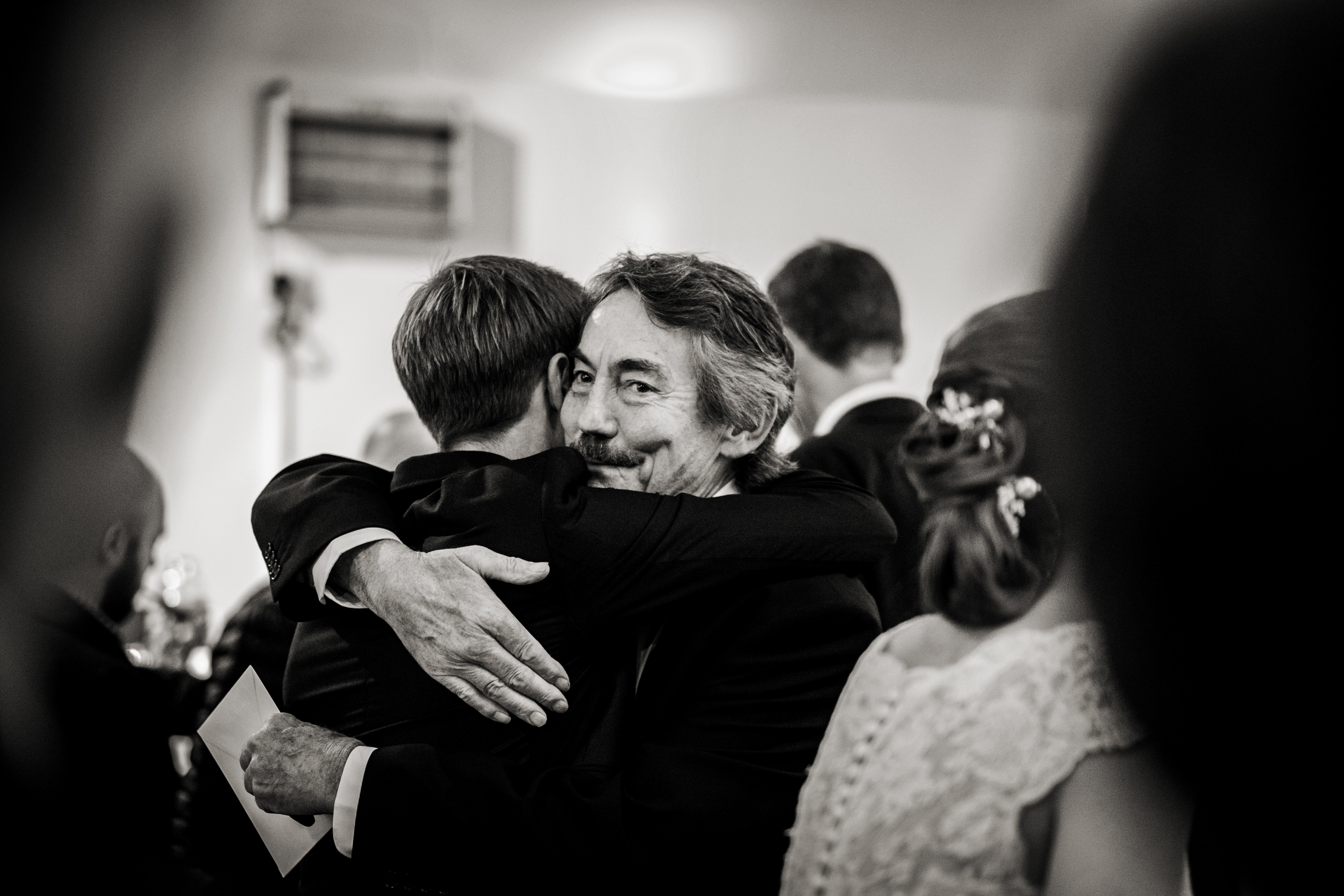 Berkshire reportage wedding photographers 028.jpg
