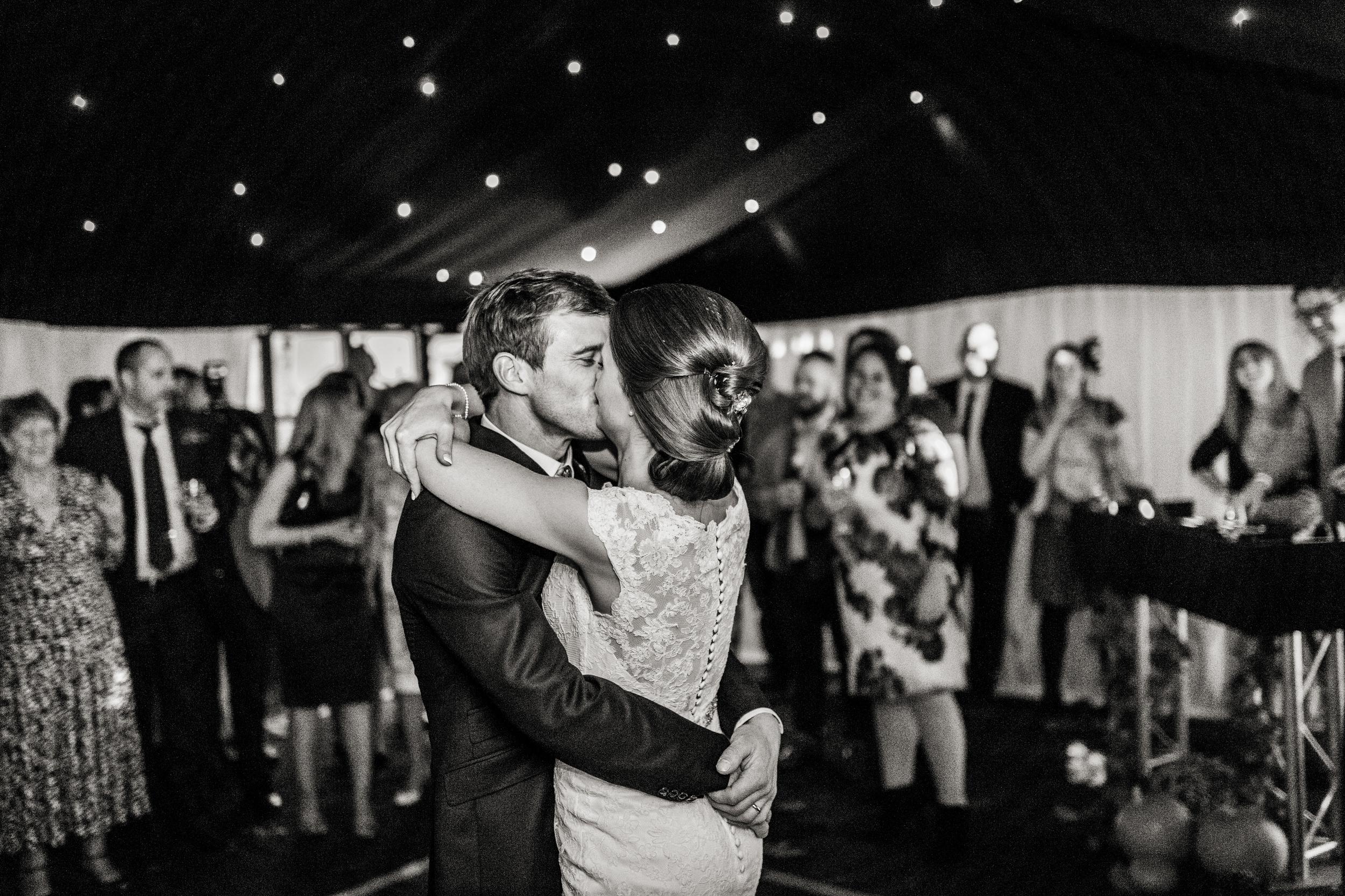 Berkshire reportage wedding photographers 029.jpg