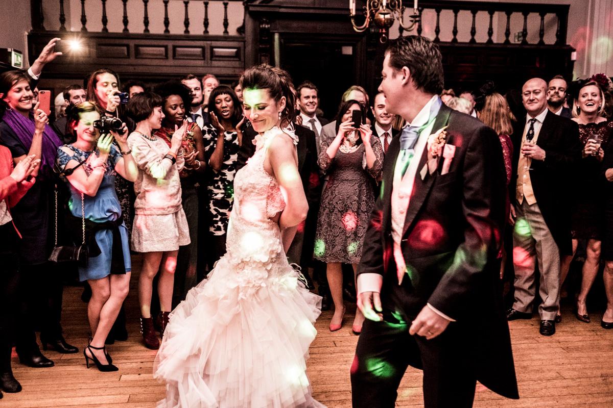 婚礼上的七张照片:7万万万奇