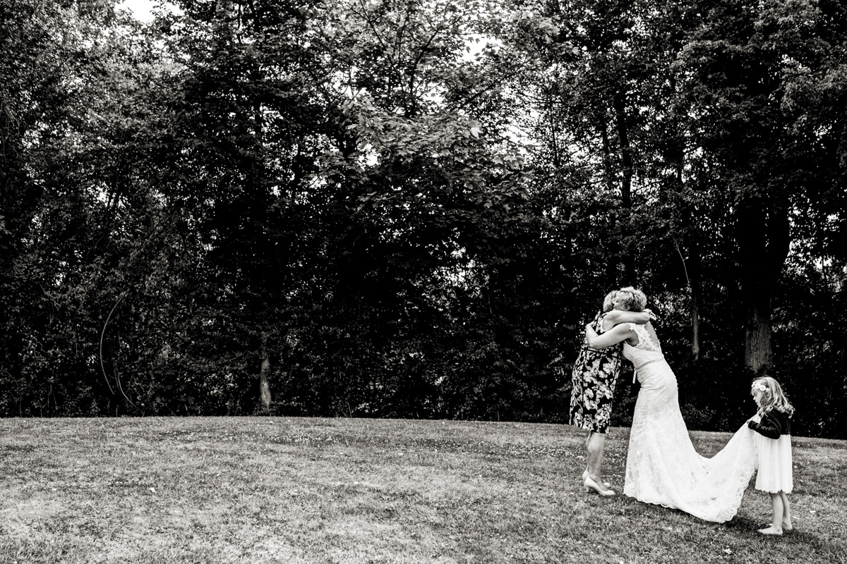 Wedding Photography at Wasing Park 017.jpg