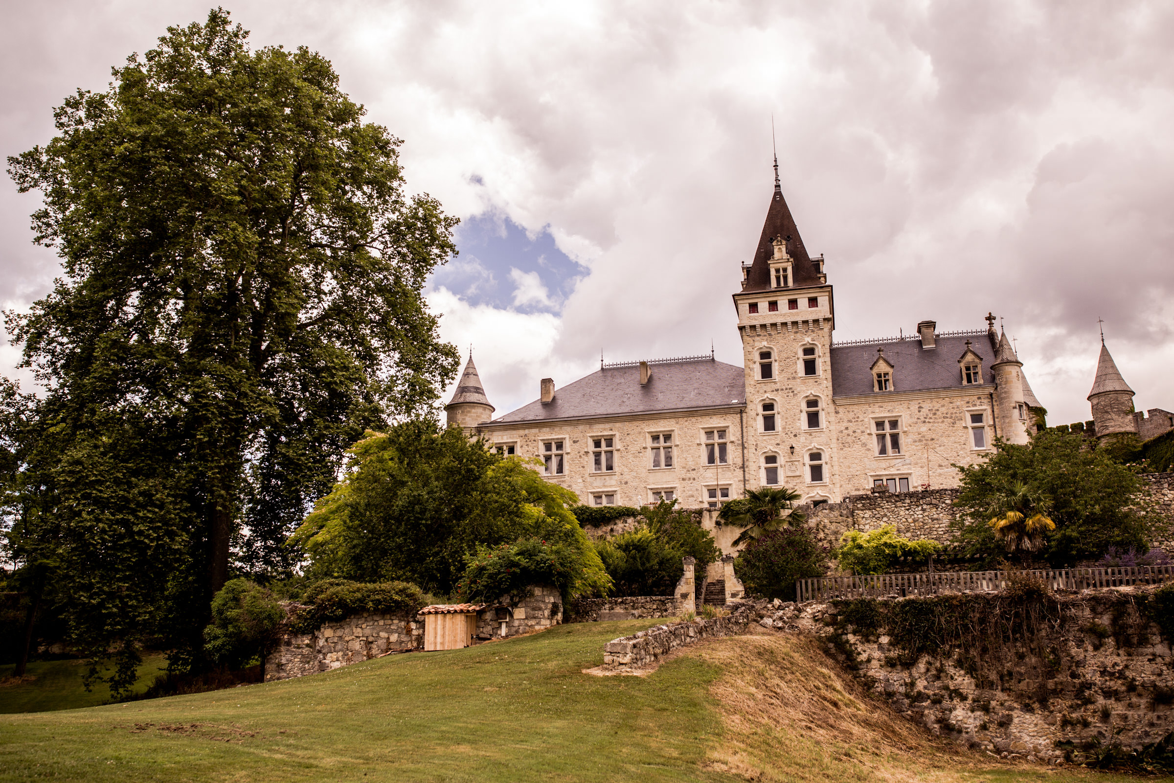 Uk Wedding photographers working at chateau de lisse in gascony 001.jpg