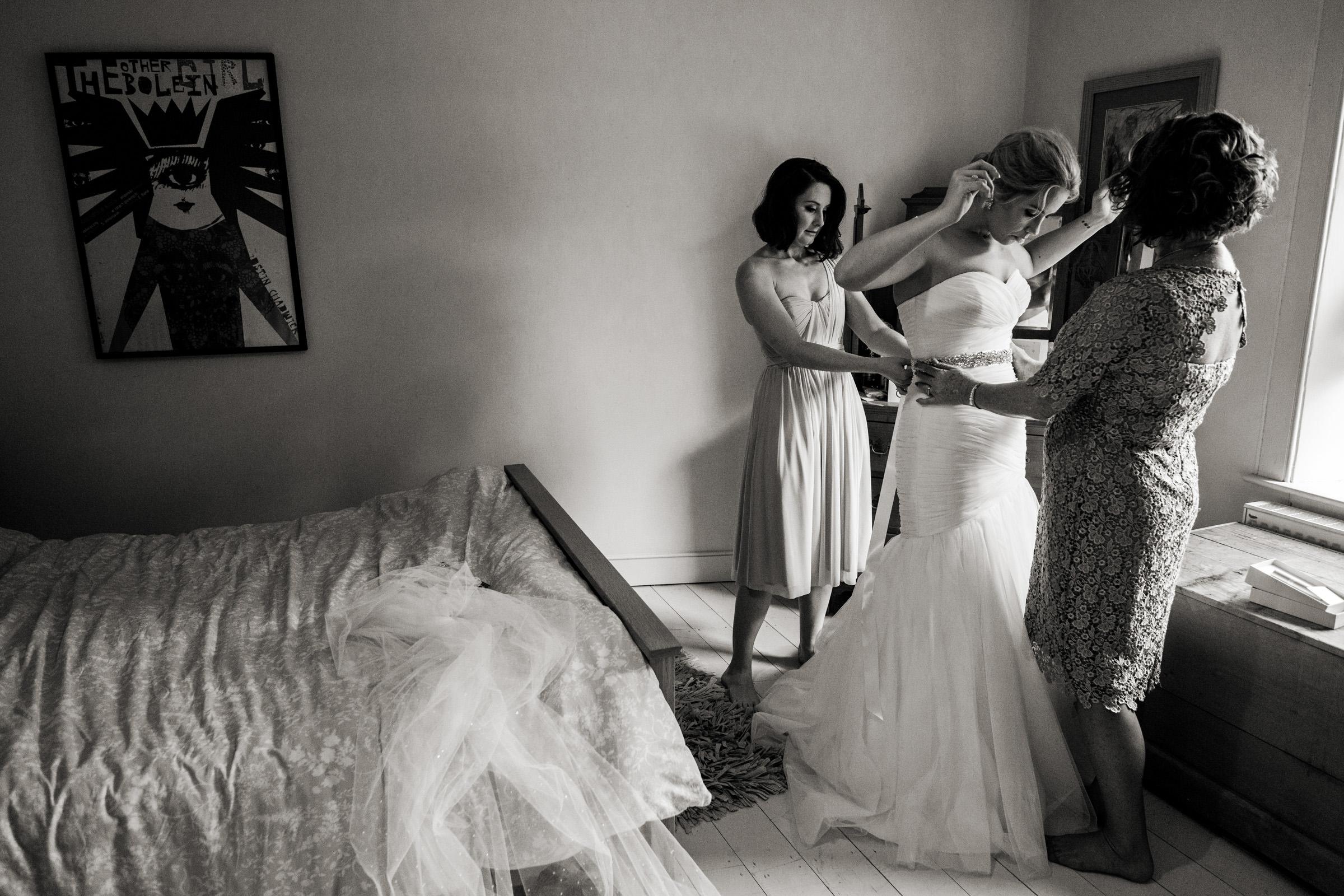 Documentart wedding photographers Berwick-upon-Tweed 002.jpg