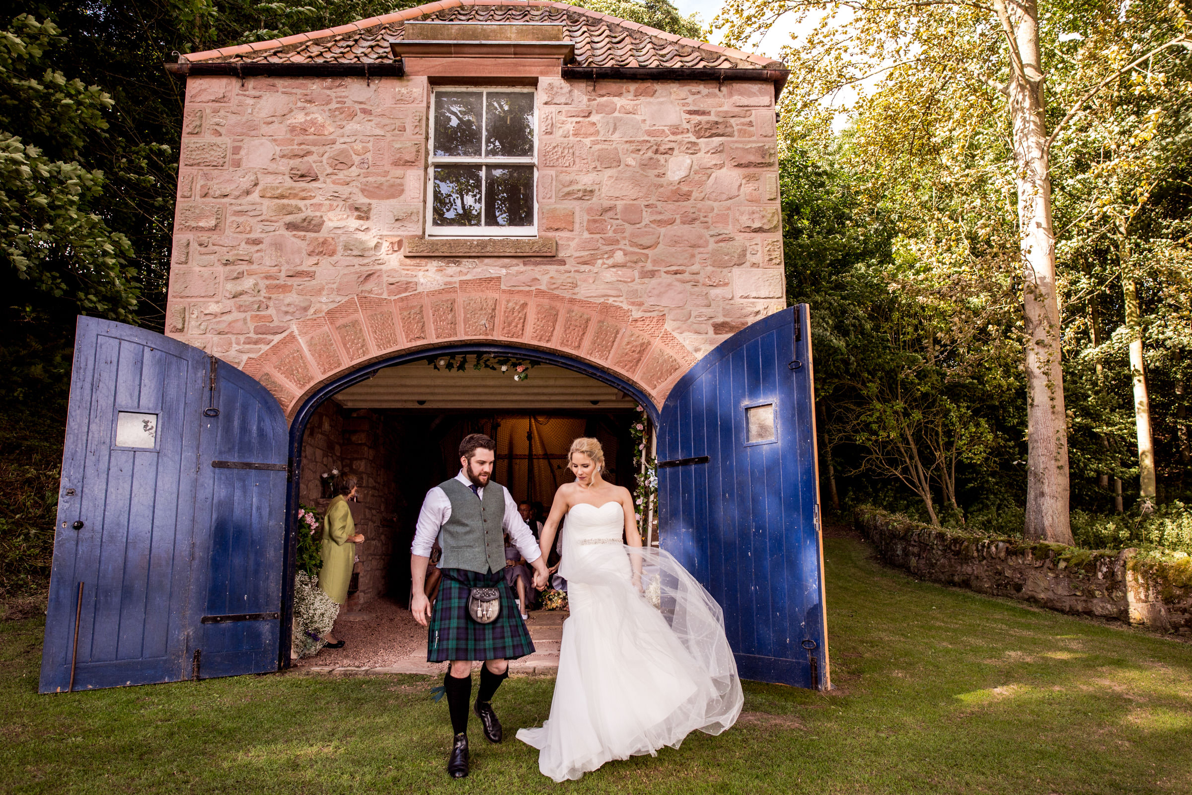 Documentart wedding photographers Berwick-upon-Tweed 010.jpg
