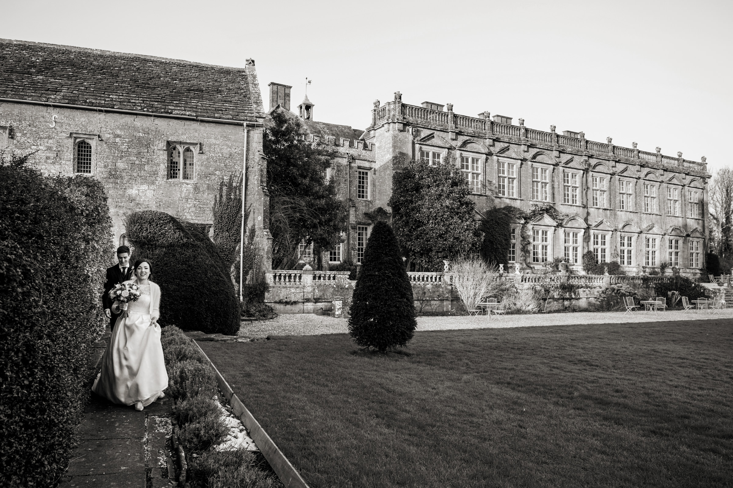 relaxed wedding photography at in somerset 020.jpg