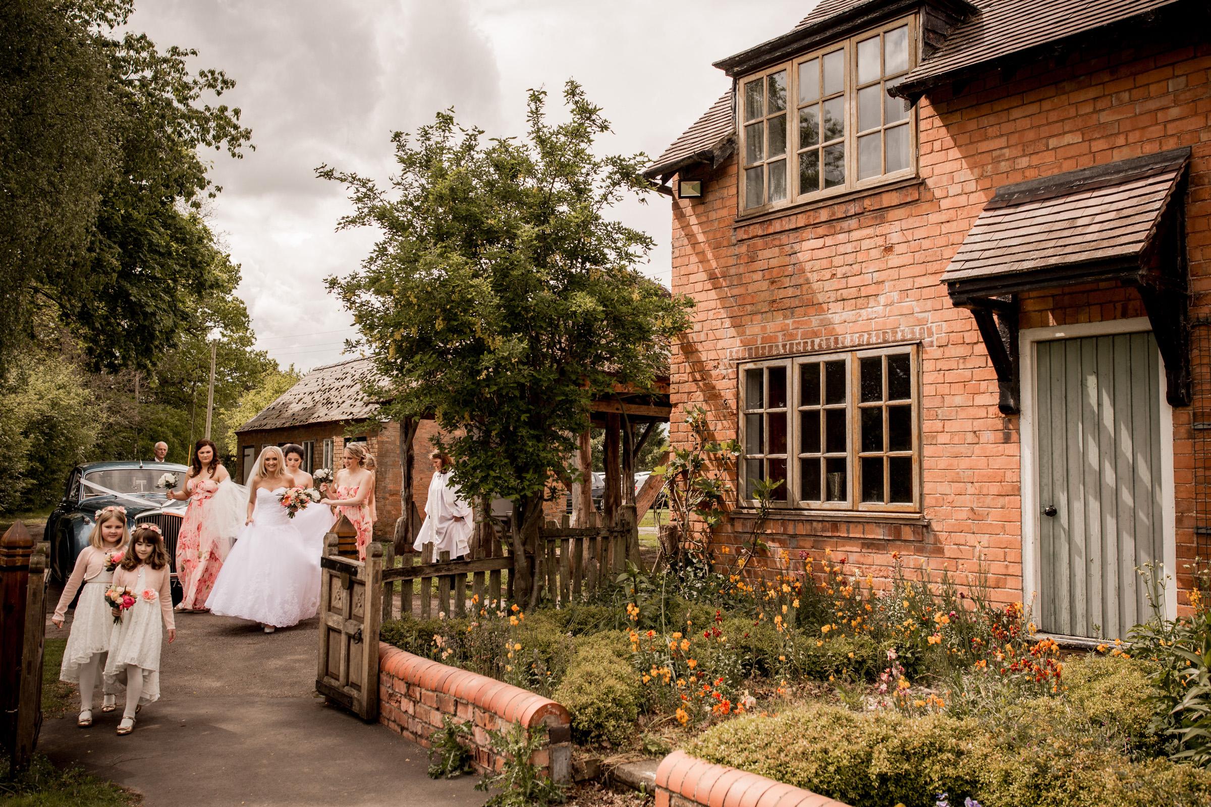 Natural Shropshire Wedding Photogaphy  011.jpg
