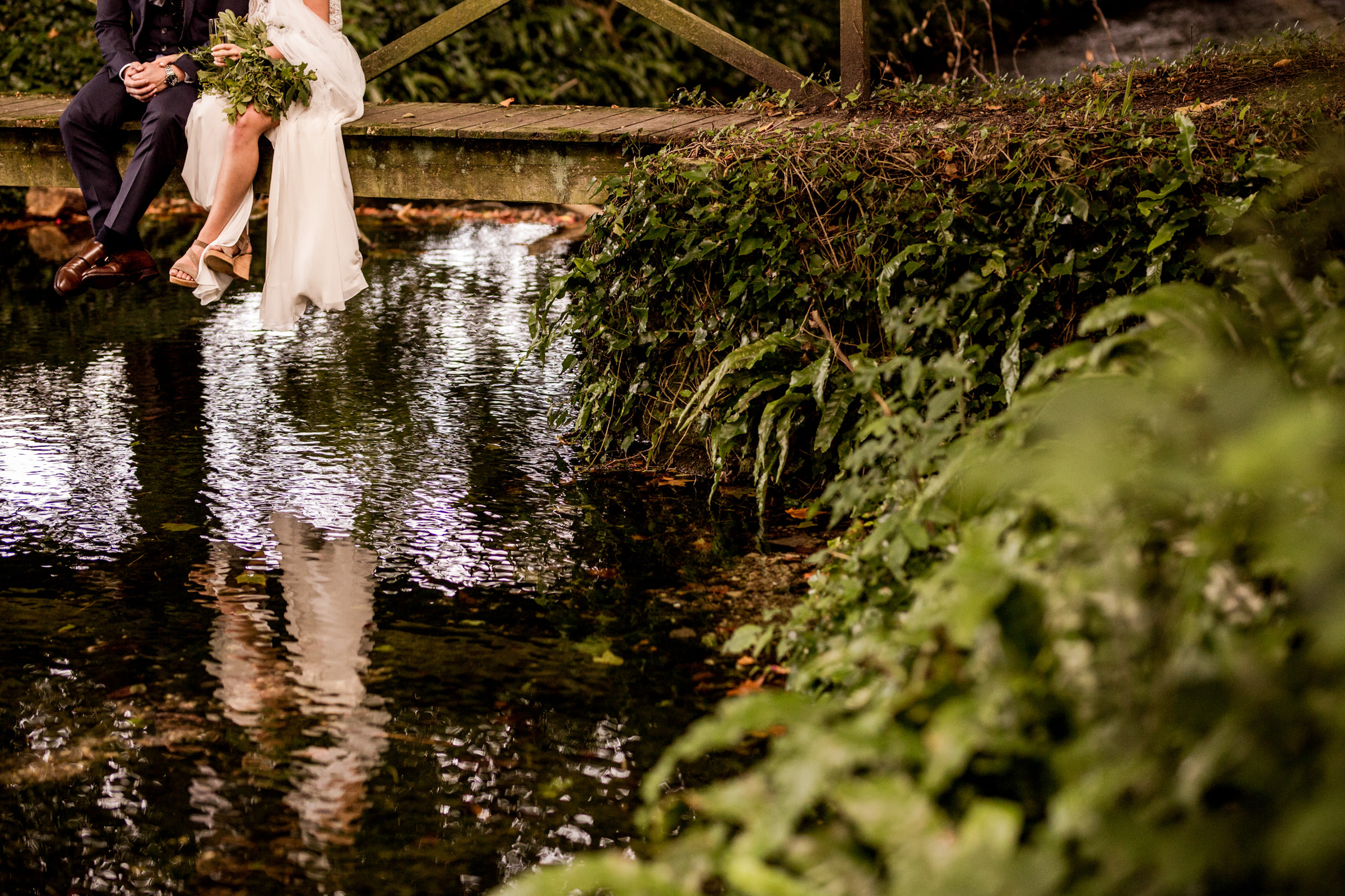 natural dorset wedding photographers 026.jpg