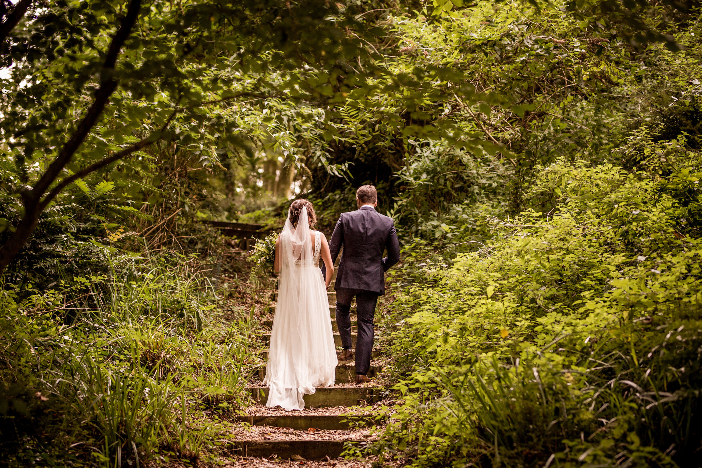 natural dorset wedding photographers 029.jpg