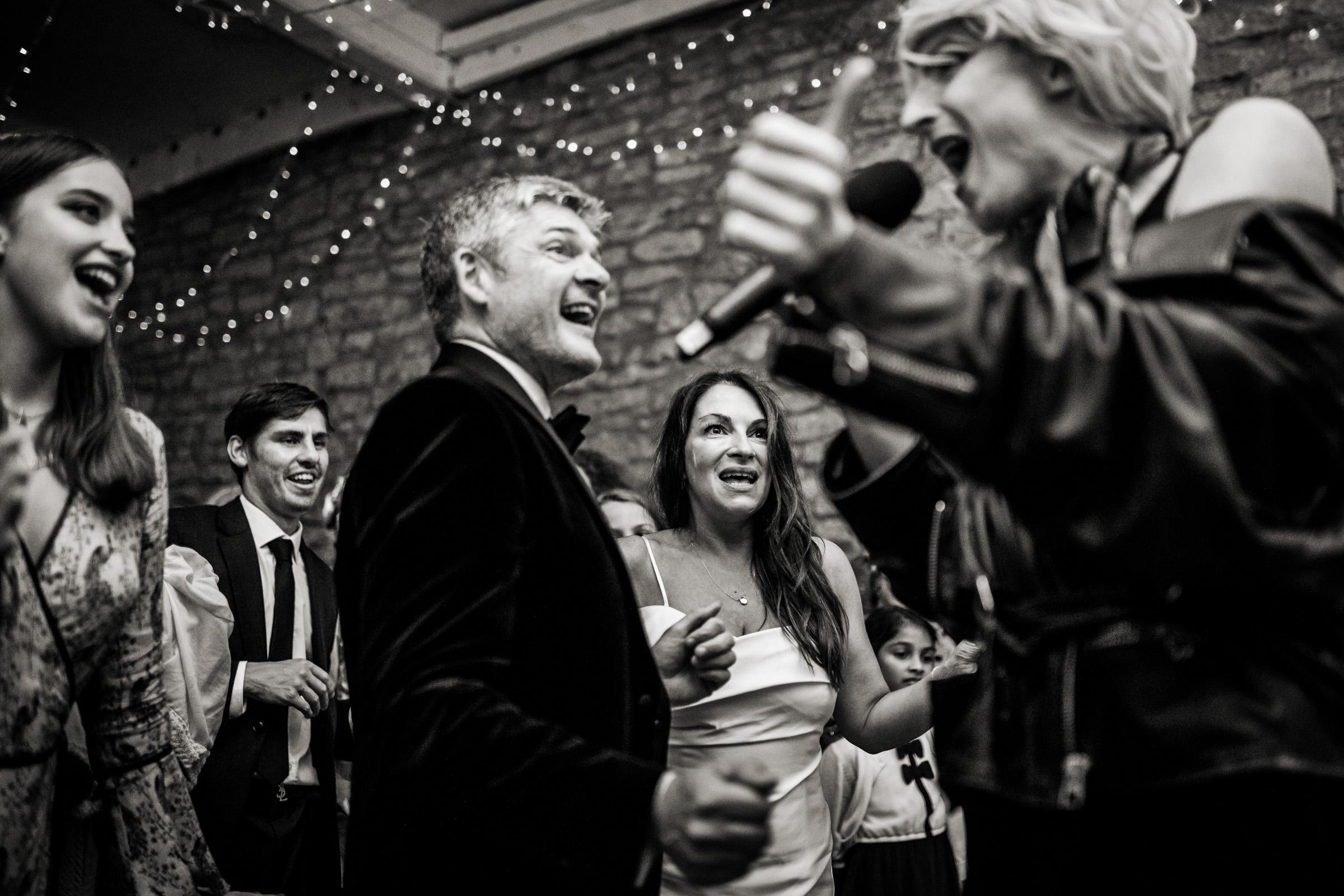 在圣安妮·埃普豪斯的公寓里,在婚礼上的照片