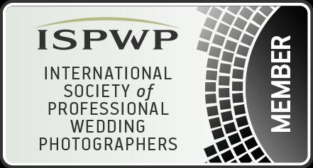 188金宝博体育婚礼上的摄影师