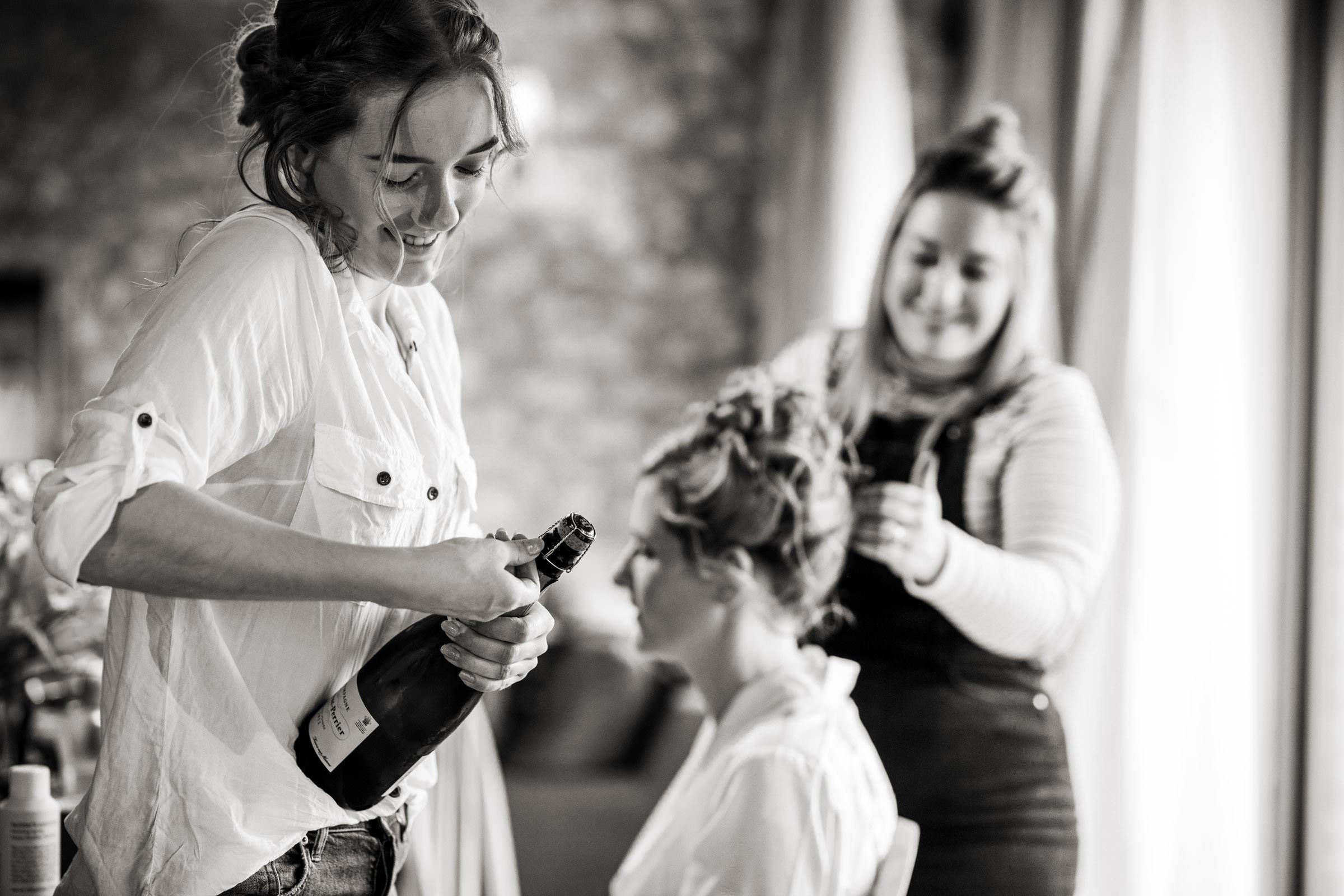 Lulworth Castle Wedding Photography 002.jpg