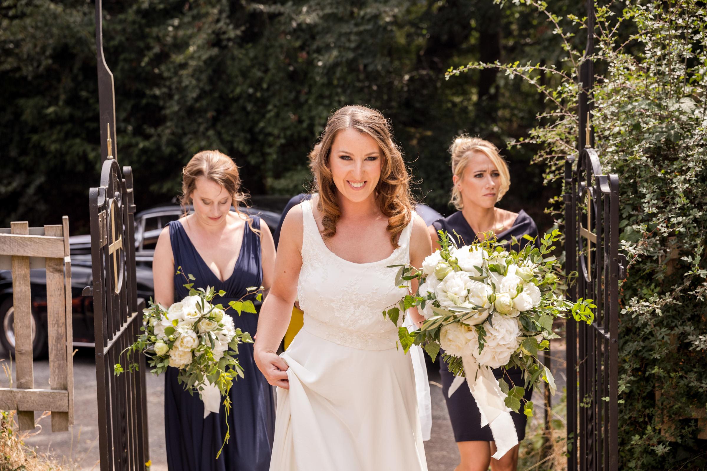 wedding photography at Gins Barn 013.jpg