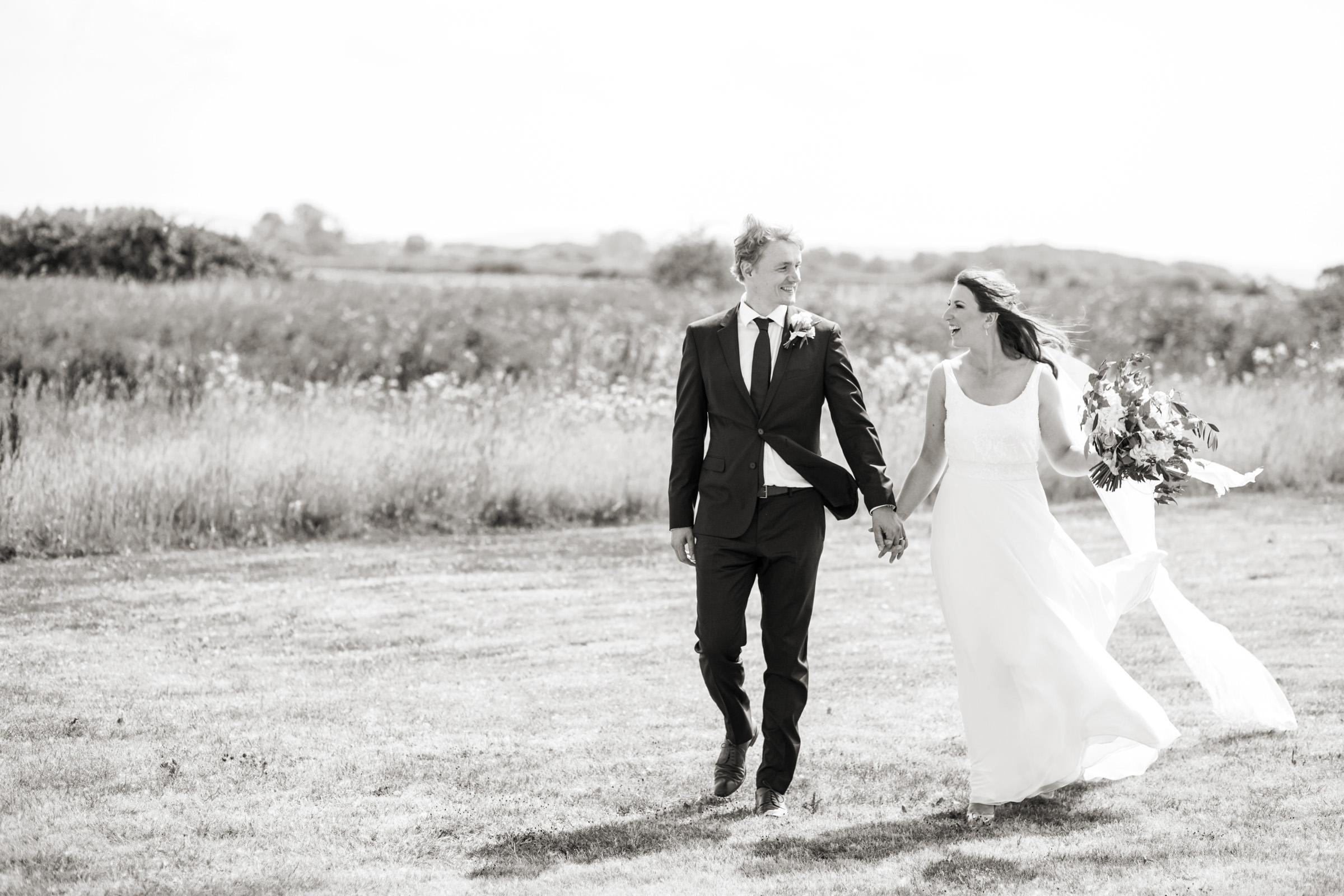 wedding photography at Gins Barn 020.jpg