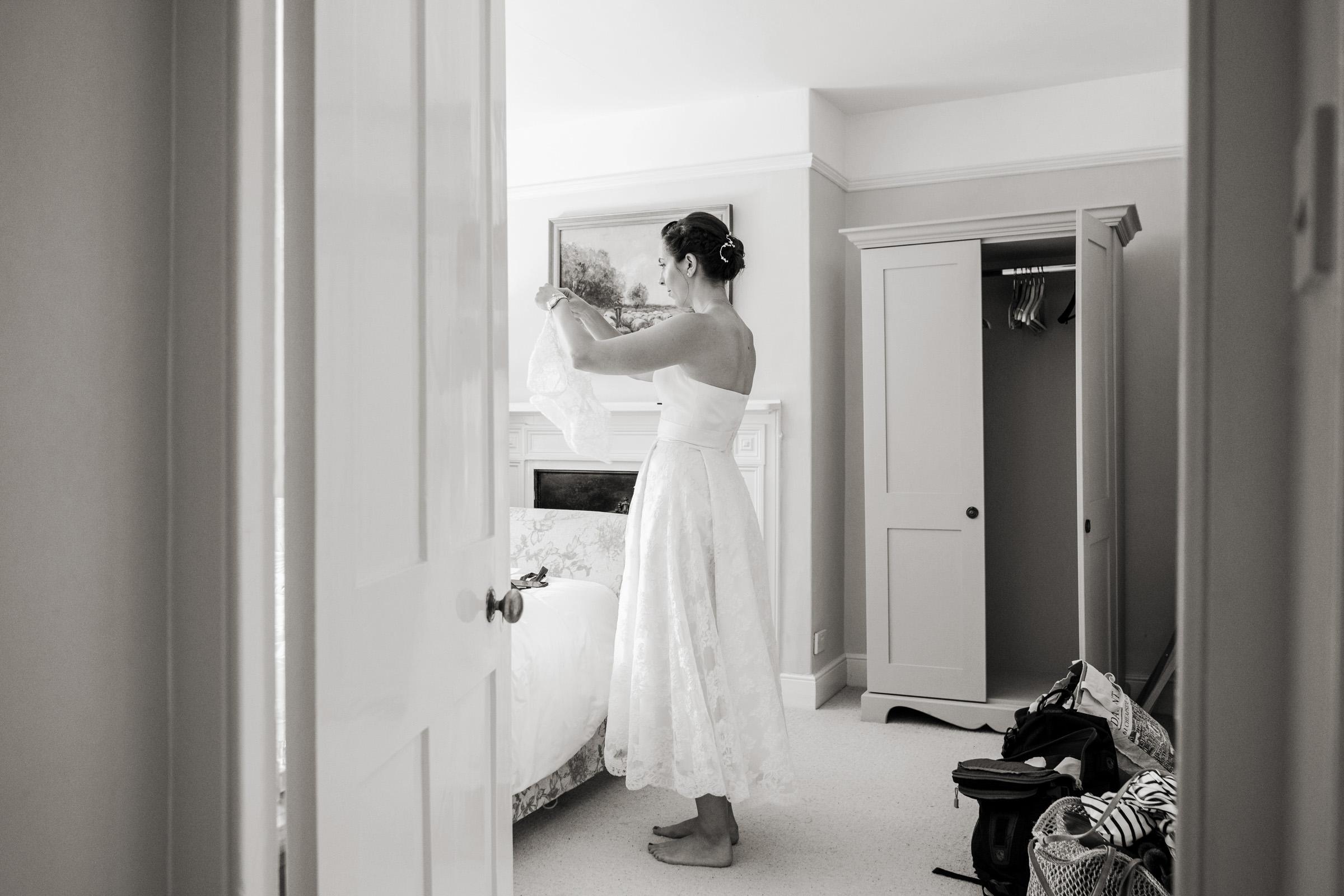 Cripps Barn Bibury Cotswolds Wedding Photography 004.jpg