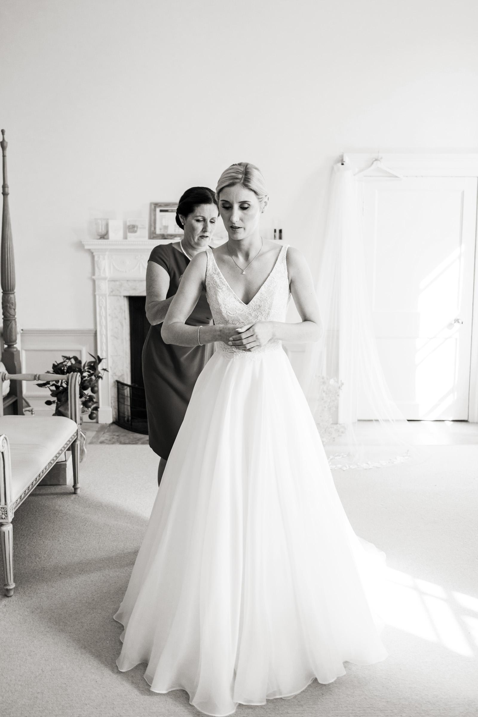 Pynes House Devon Wedding Photography 010.jpg