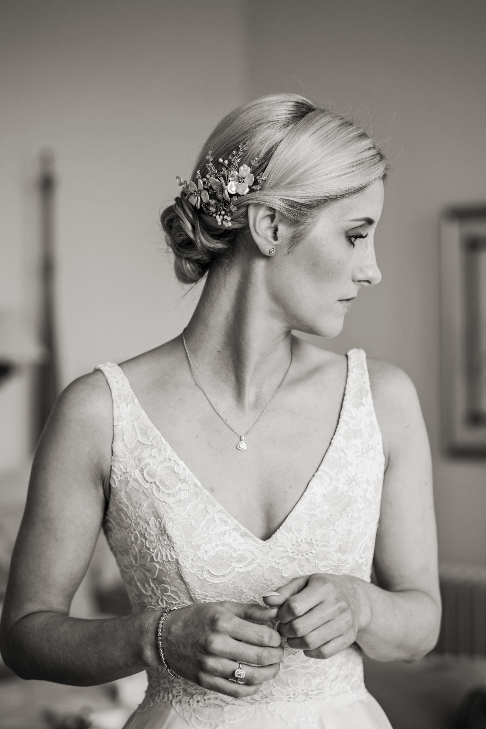 Pynes House Devon Wedding Photography 012.jpg