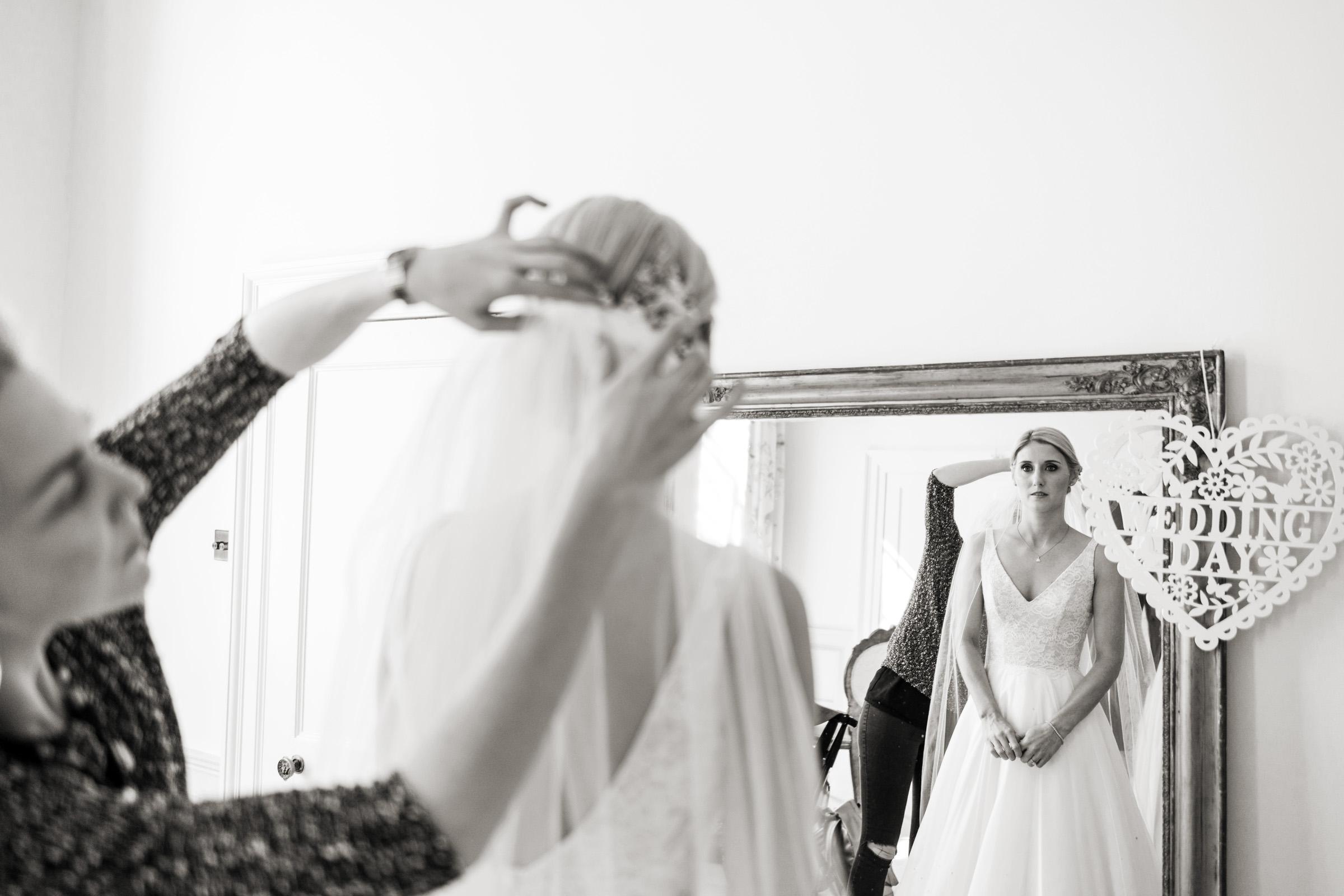 Pynes House Devon Wedding Photography 014.jpg