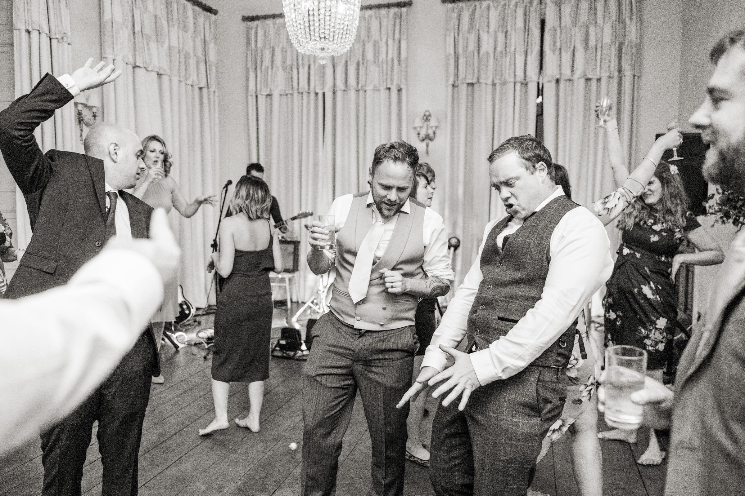 Pynes House Devon Wedding Photography 045.jpg