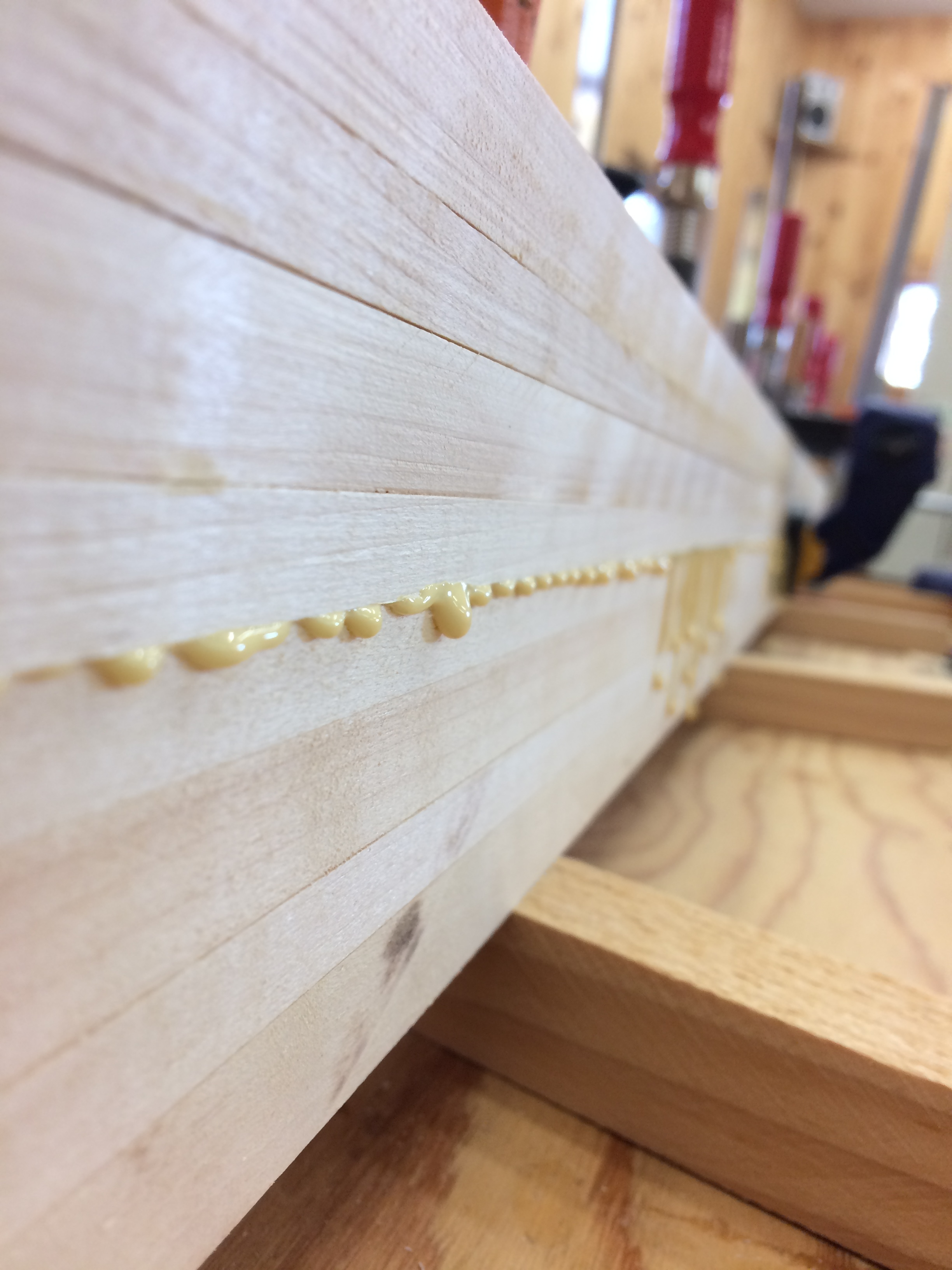 Laminating the cores symmetrically for a consistent edge-to-edge flex