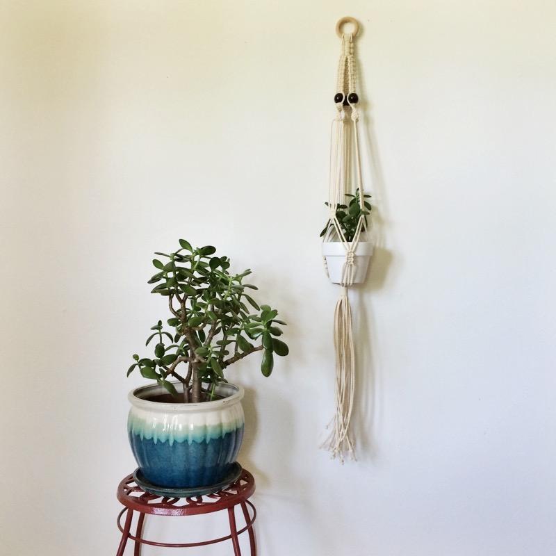 modern macrame hanging planter tutorial.jpg