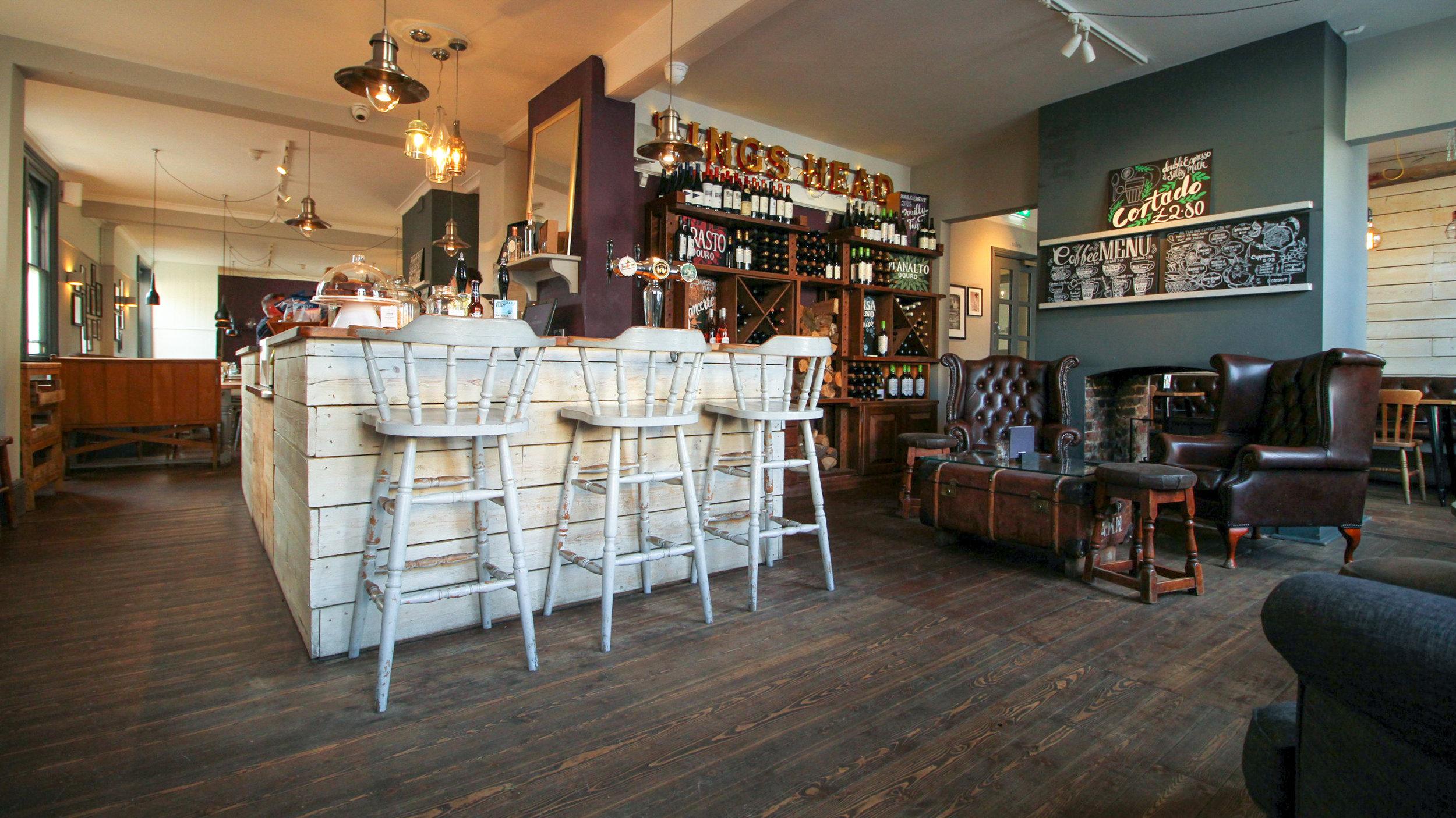 Kings Head Wye Bar (C) Mark Lightford.jpg