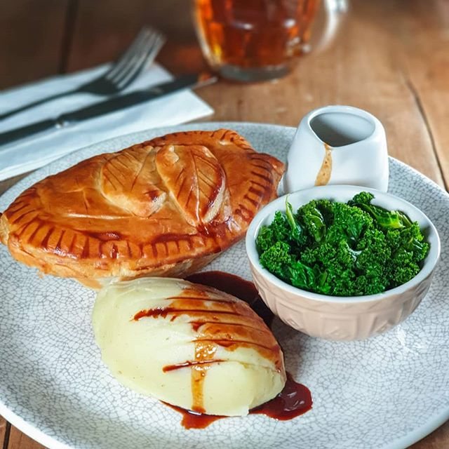 Pie of the day is braised lamb shoulder and rosemary, served with mash, vegan option is roasted veg and lental. Join in, have a pie and a pint for only £14! • • • • #nationalpieweek #pienmash #britishgrub #gastropubskent #aahospitality #tasteofkent #wyecommunityfarm #localproduce #yum #delish #instafood