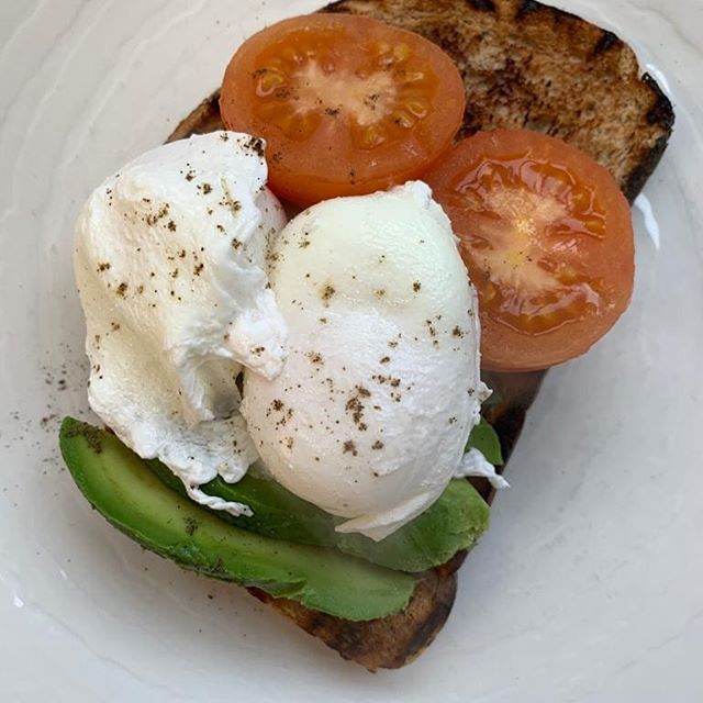 Being good? We do a really GOOD breakfast! Book in to avoid dissapointment 🥑🍅🥚 • • • • #breakfastgoals #breakfast #healthyeating #delish #yummy #startingearly #eggs #gastropubskent #thegoodfoodguide