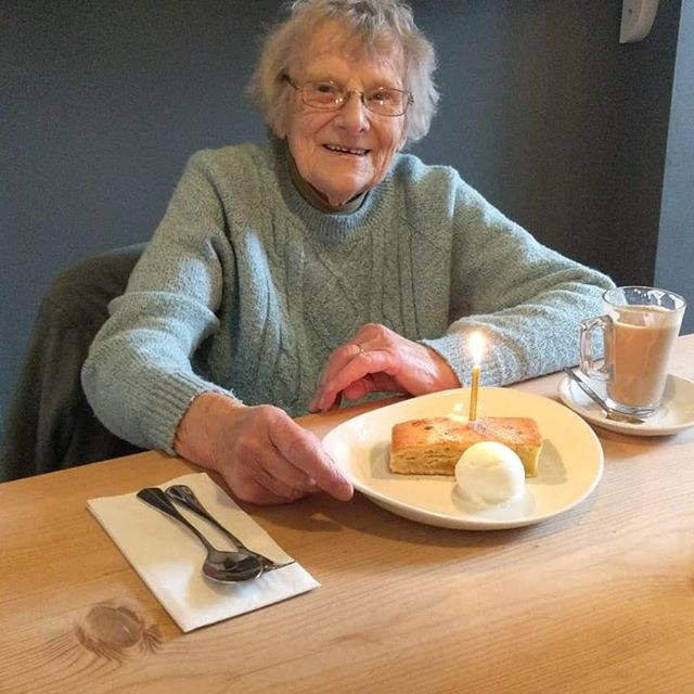 One of our very best customers, Mrs Johnson, was in celebrating her 89th birthday! Happy Birthday Mrs Johnson!!🍾🎂🍾💙💙 • • • • #birthday #greatcustomers #happybirthday #celebration #partytime #loveourregulars #birthdaycake