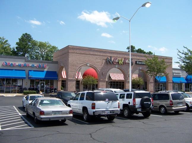 647_Parkway_Plaza_Shopping_Center_3_2.jpg