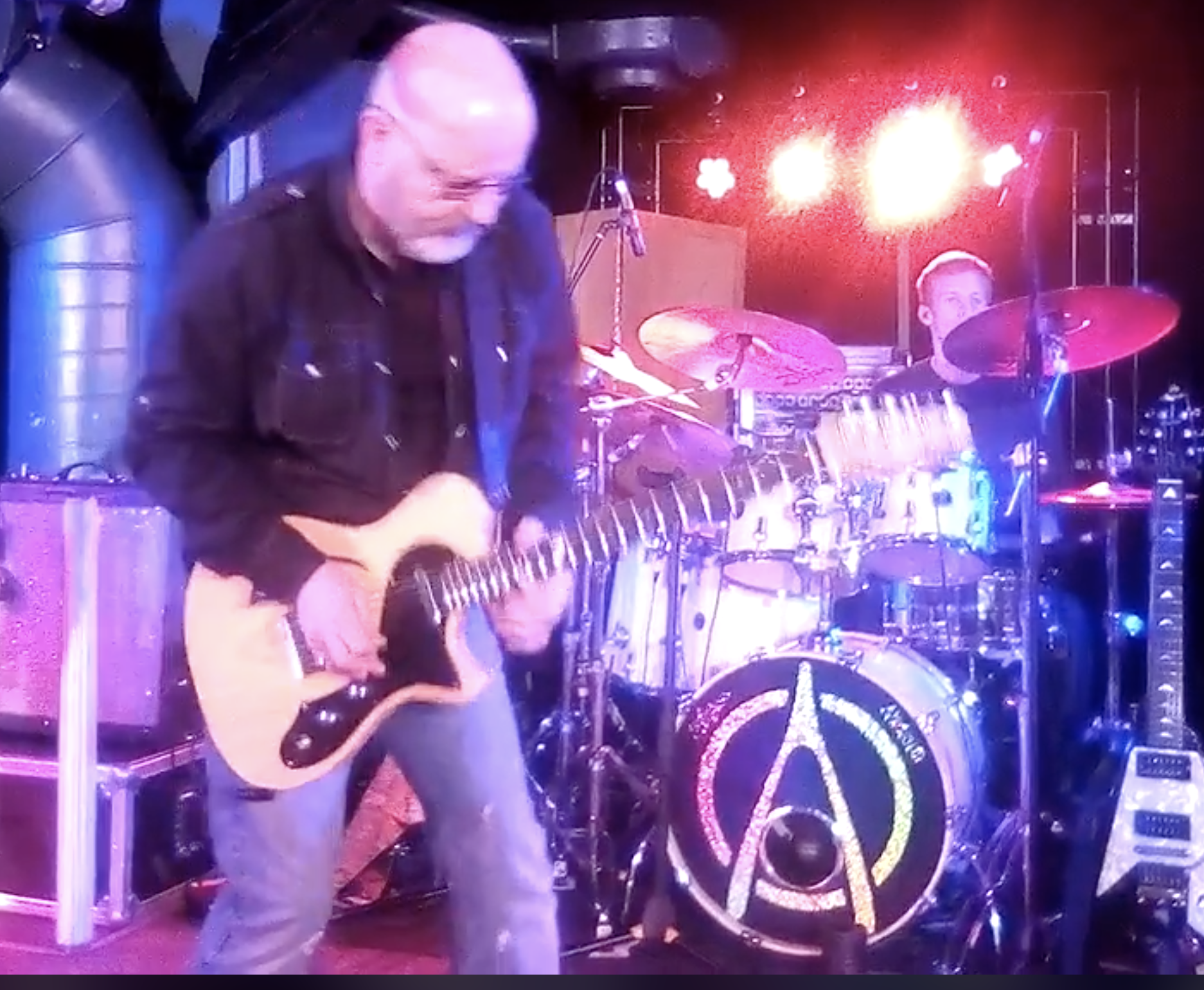 Andy Powell, Wishbone Ash with Case Guitar