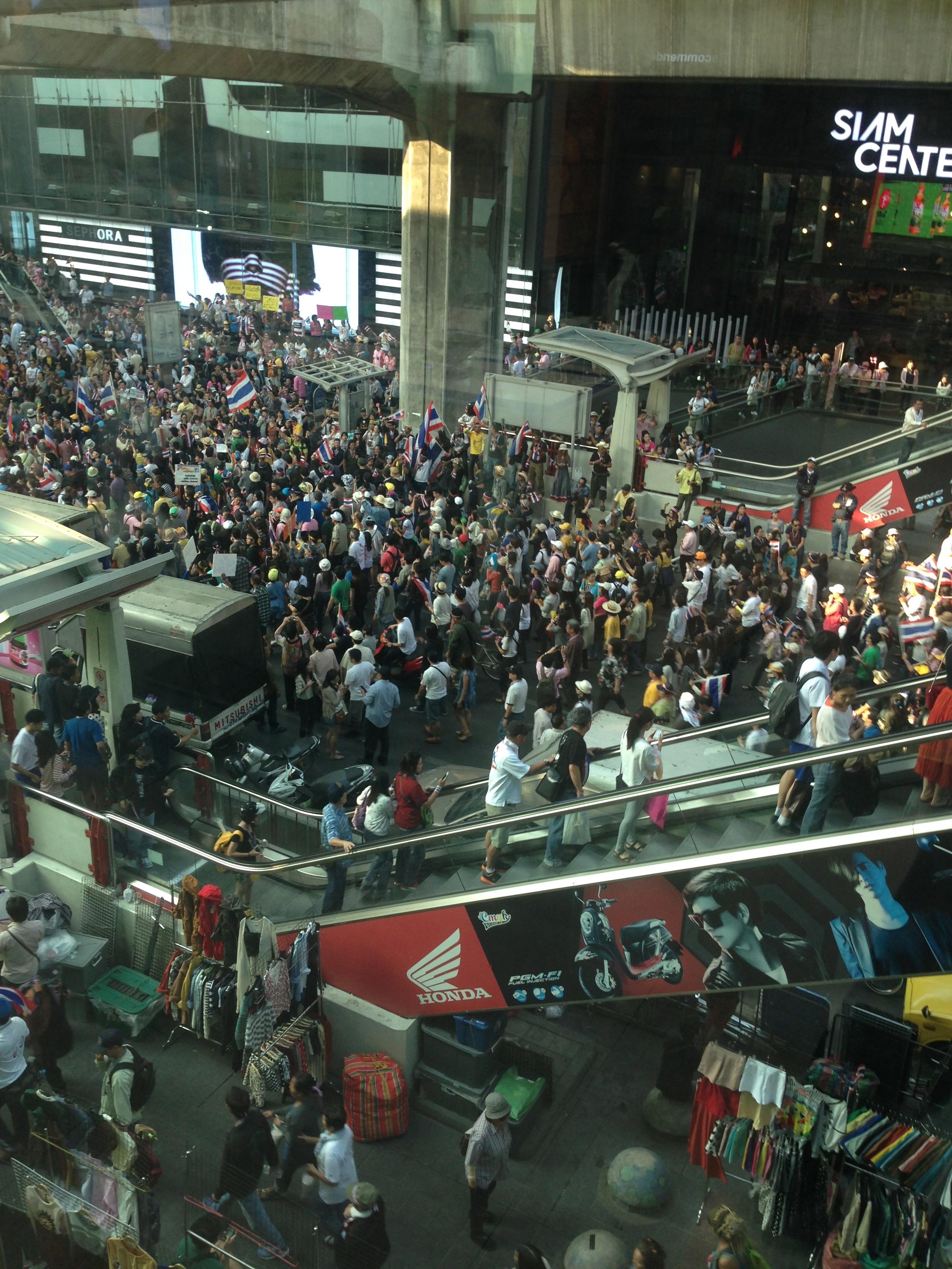 Crowds at the BTS | Bangkok | December 2013