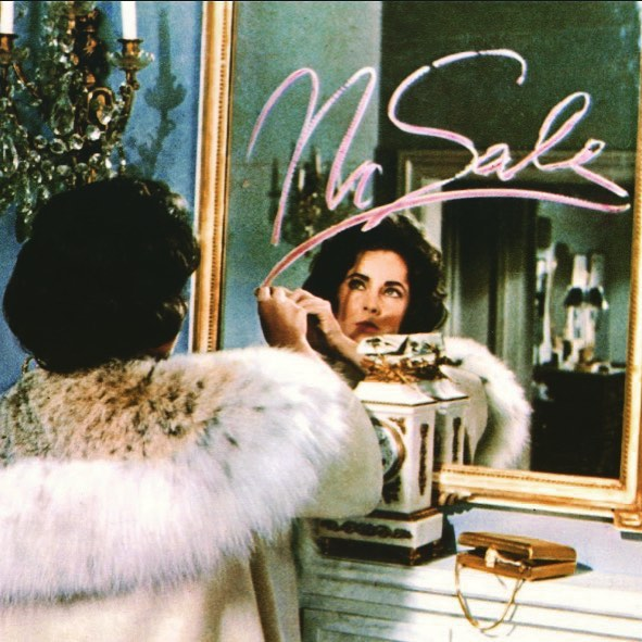 Use (and wear) your lipstick today and everyday as boldly as Elizabeth Taylor 💋 #nationallipstickday💄