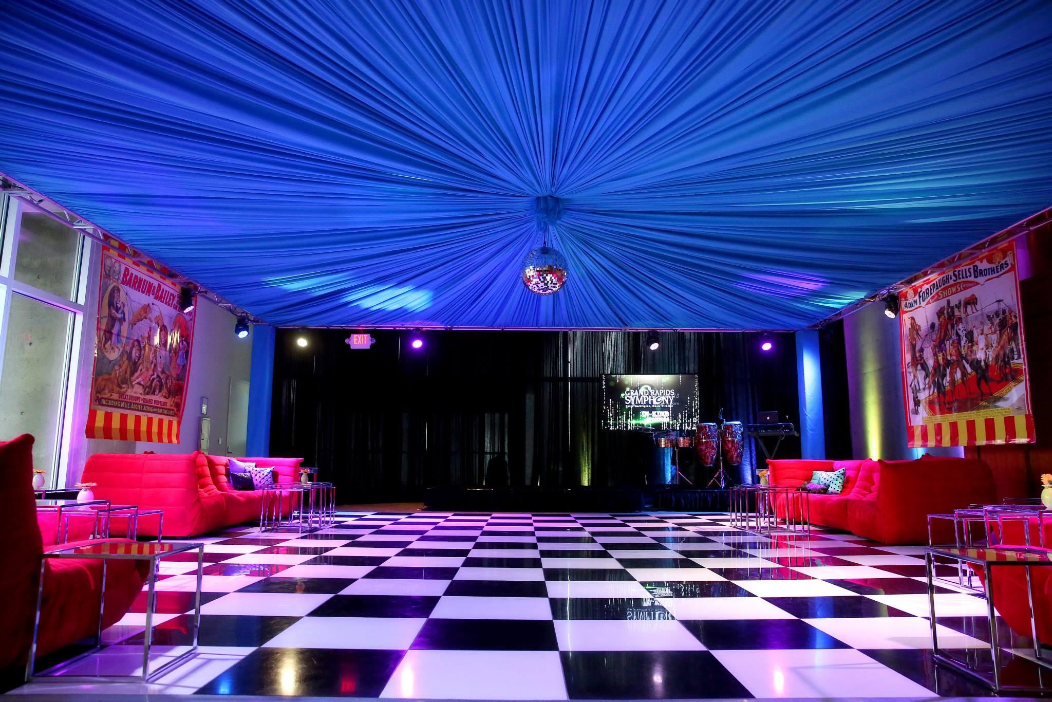 VAI Van Andel Institute Circus Event
