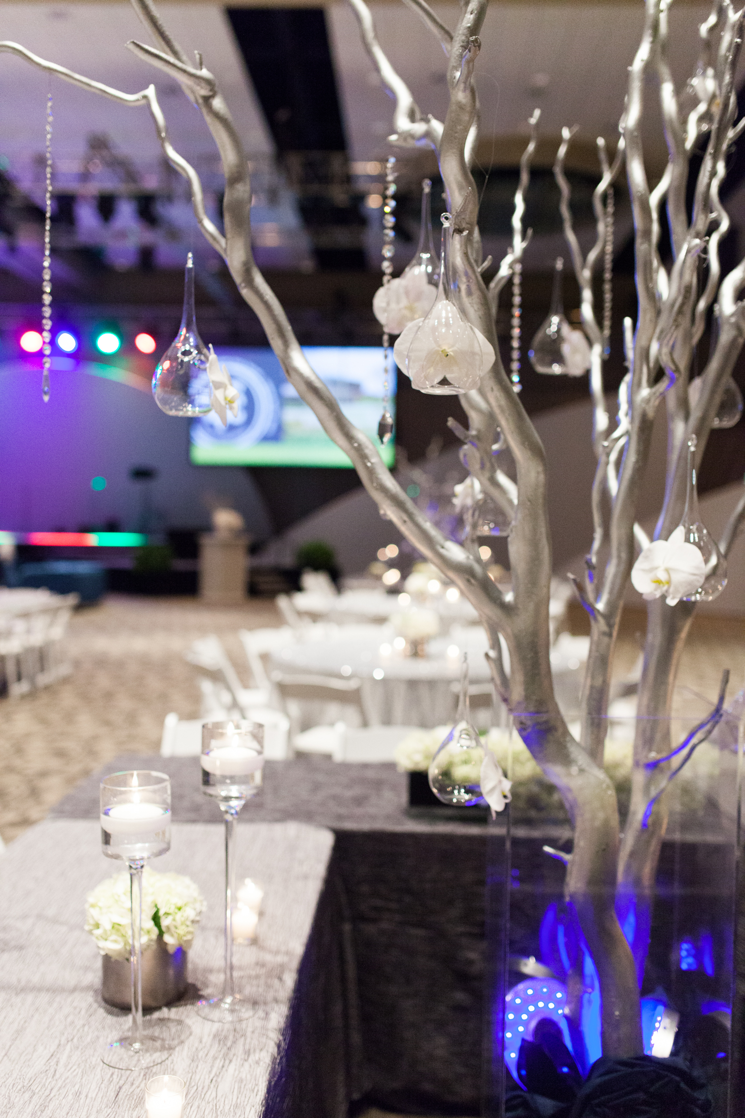 Grand Rapids, Michigan Amway Corporate Silver Tree Centerpiece with Globs
