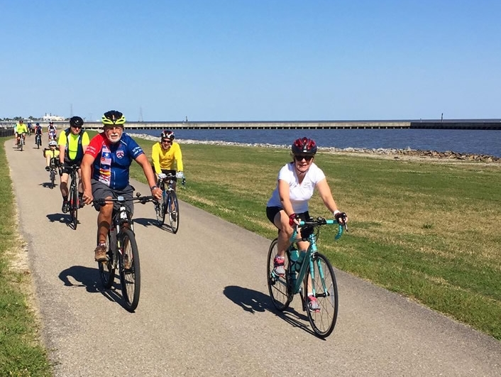 A BRBC social ride along the levee.