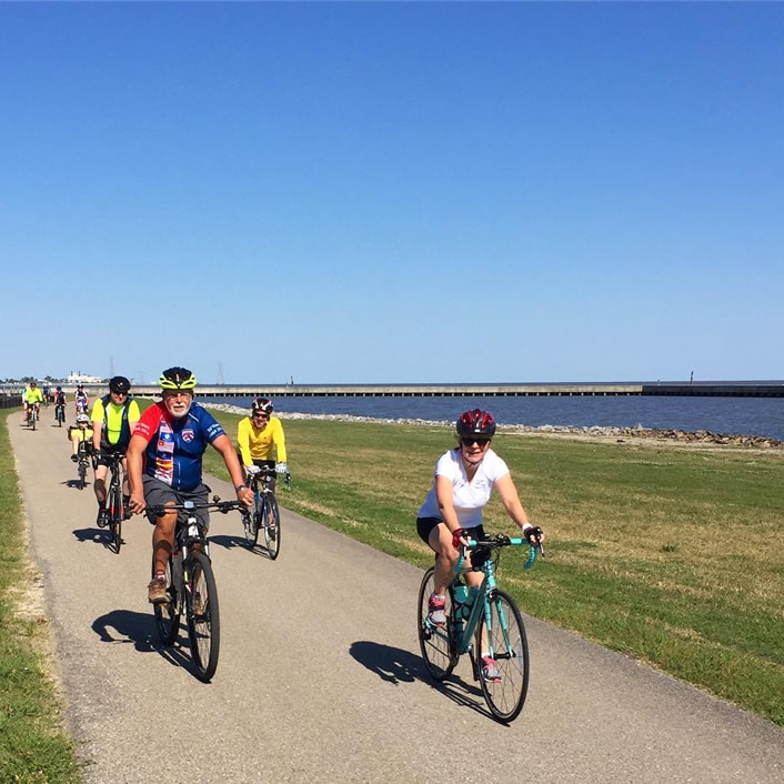 A BRBC social ride along the levee.