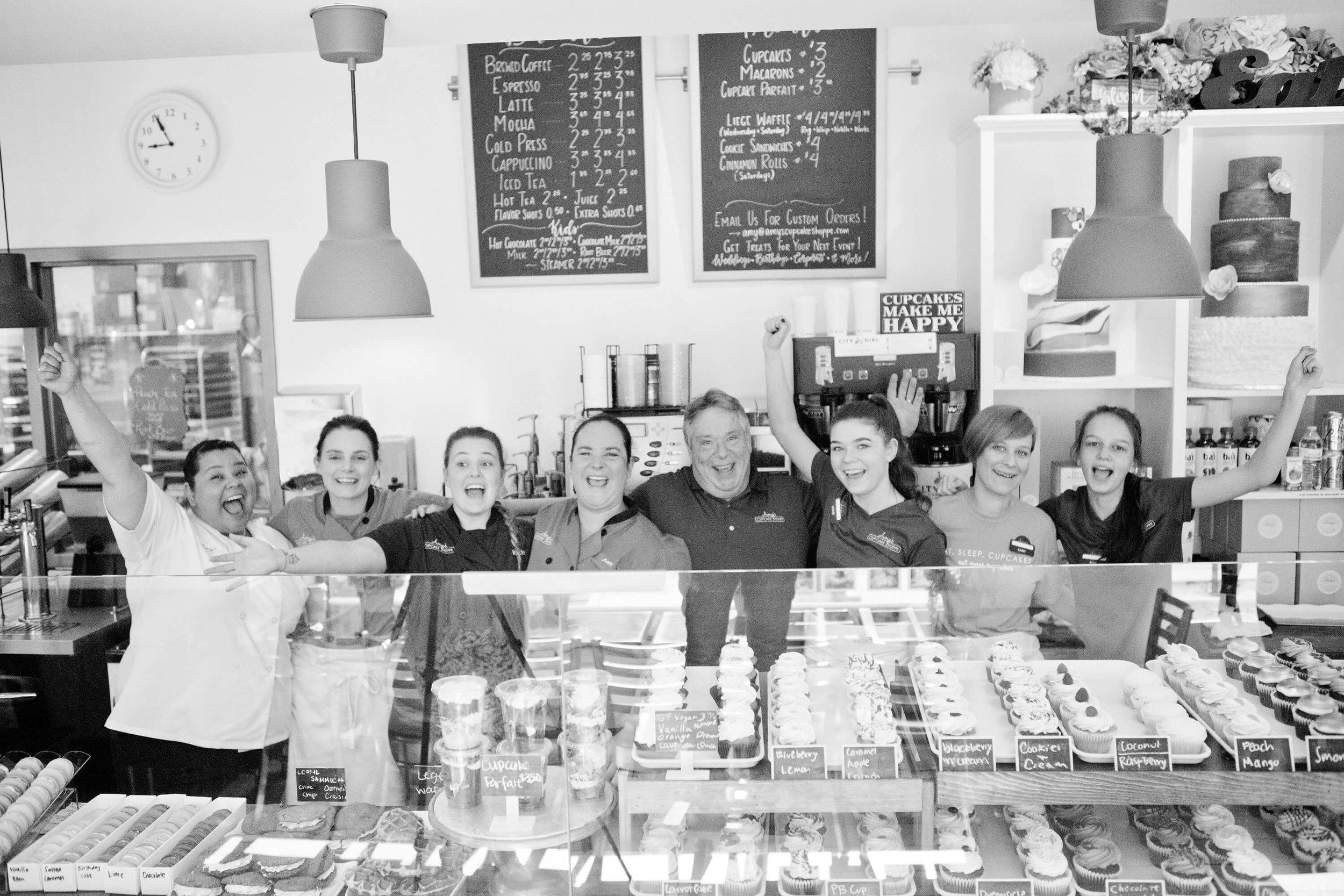 engle-olson-ashley-elwill-photography-amys-cupcake-shoppe-one-year-5.jpg