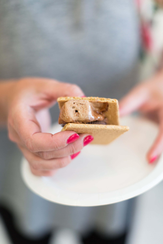 engle-olson-ashley-elwill-photography-amys-cupcake-shoppe-one-year-40.jpg