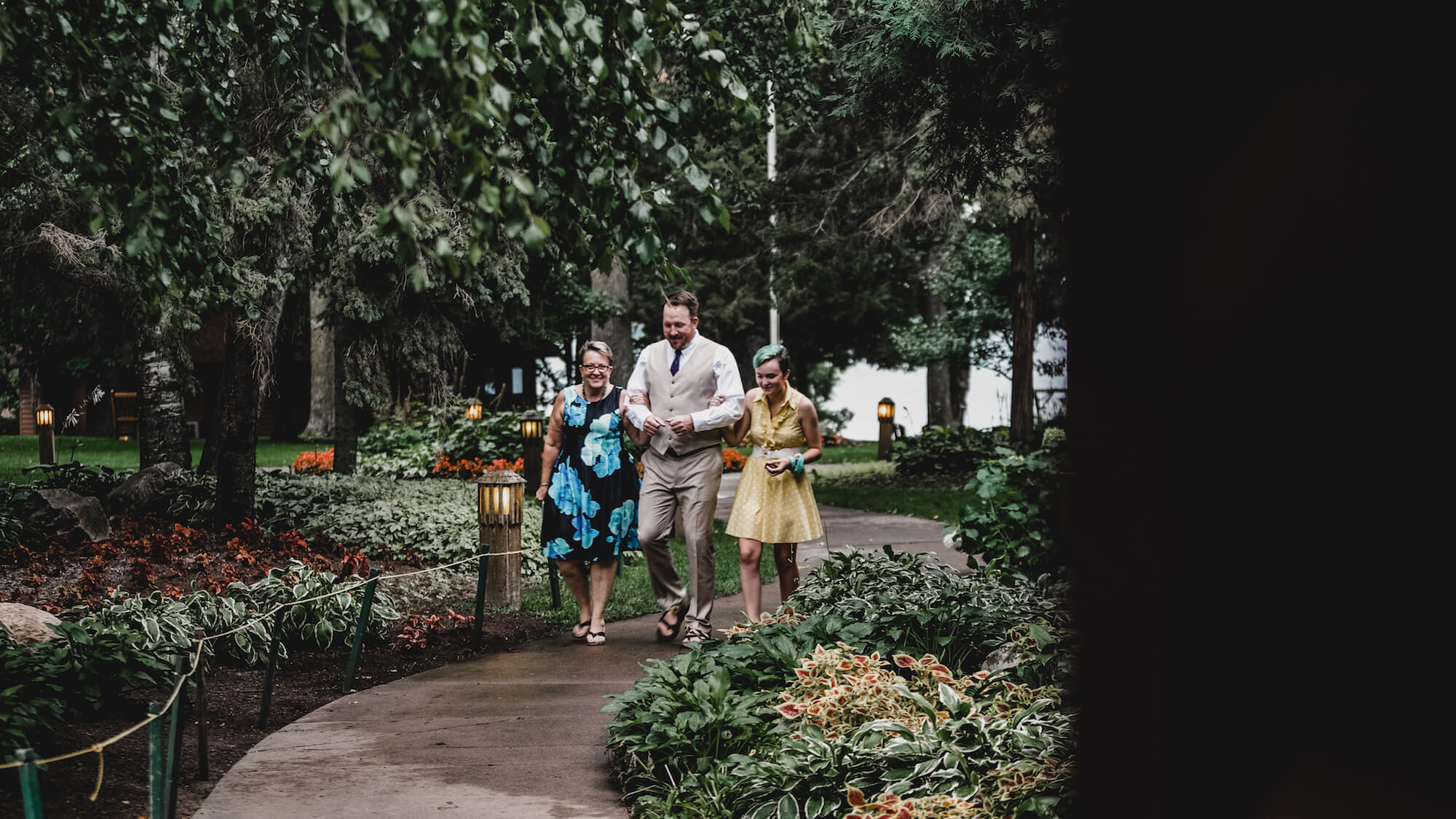engle-olson-maddy-pat-mn-wedding-photography-14.jpg