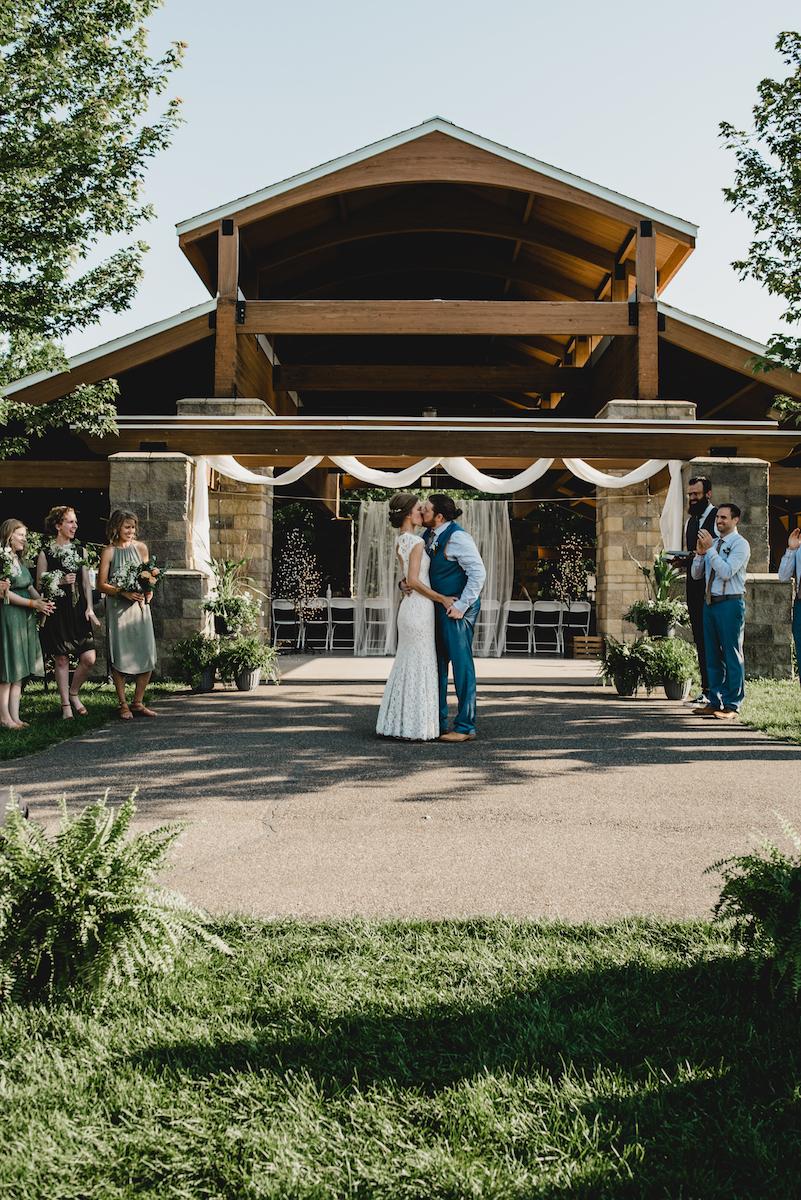 engle-olson-emily-skyler-mn-wedding-42.jpg
