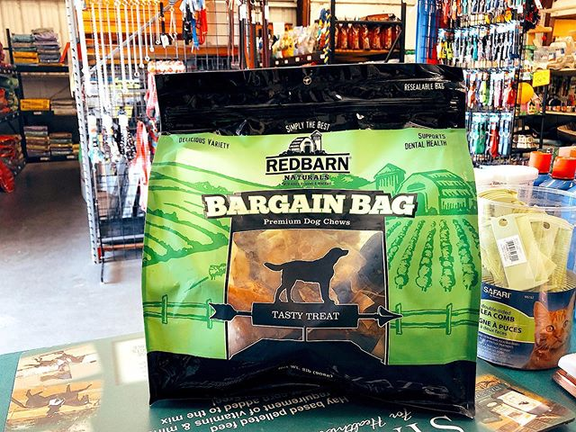 Happy Friday y'all!  Can't choose what treats to feed your pup?🤔🐶 Redbarn has the perfect goodie bag with a lil' bit of EVERYTHING your fur baby loves❤️🥰🐶🐾 #treatyourdog #pupper
