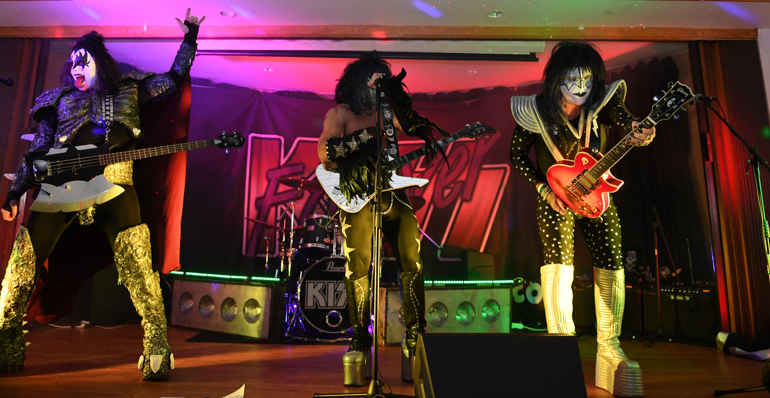 moa--kiss-forever-rock-addiction_45667612572_o.jpg
